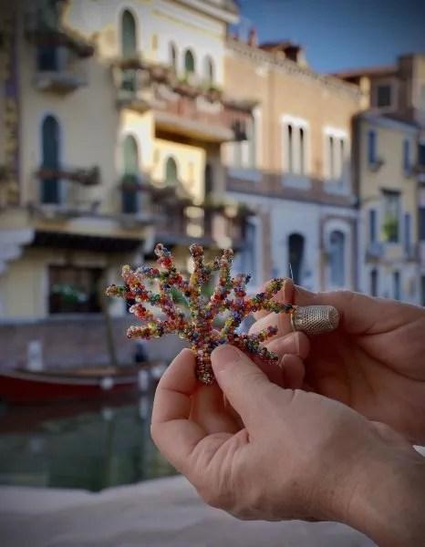 ciondolo corallo a Bottega Cini Venezia Marisa Convento Impiraressa