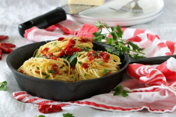 Spaghetti with Sun Dried Tomatoes