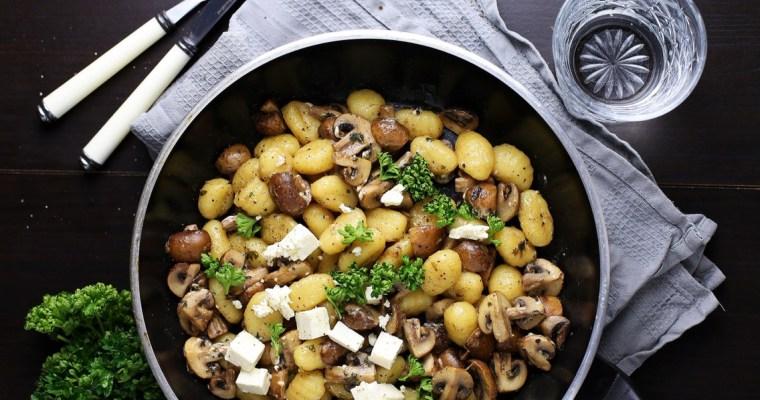15-Minuten Gnocchi Pilzpfanne mit Weißwein