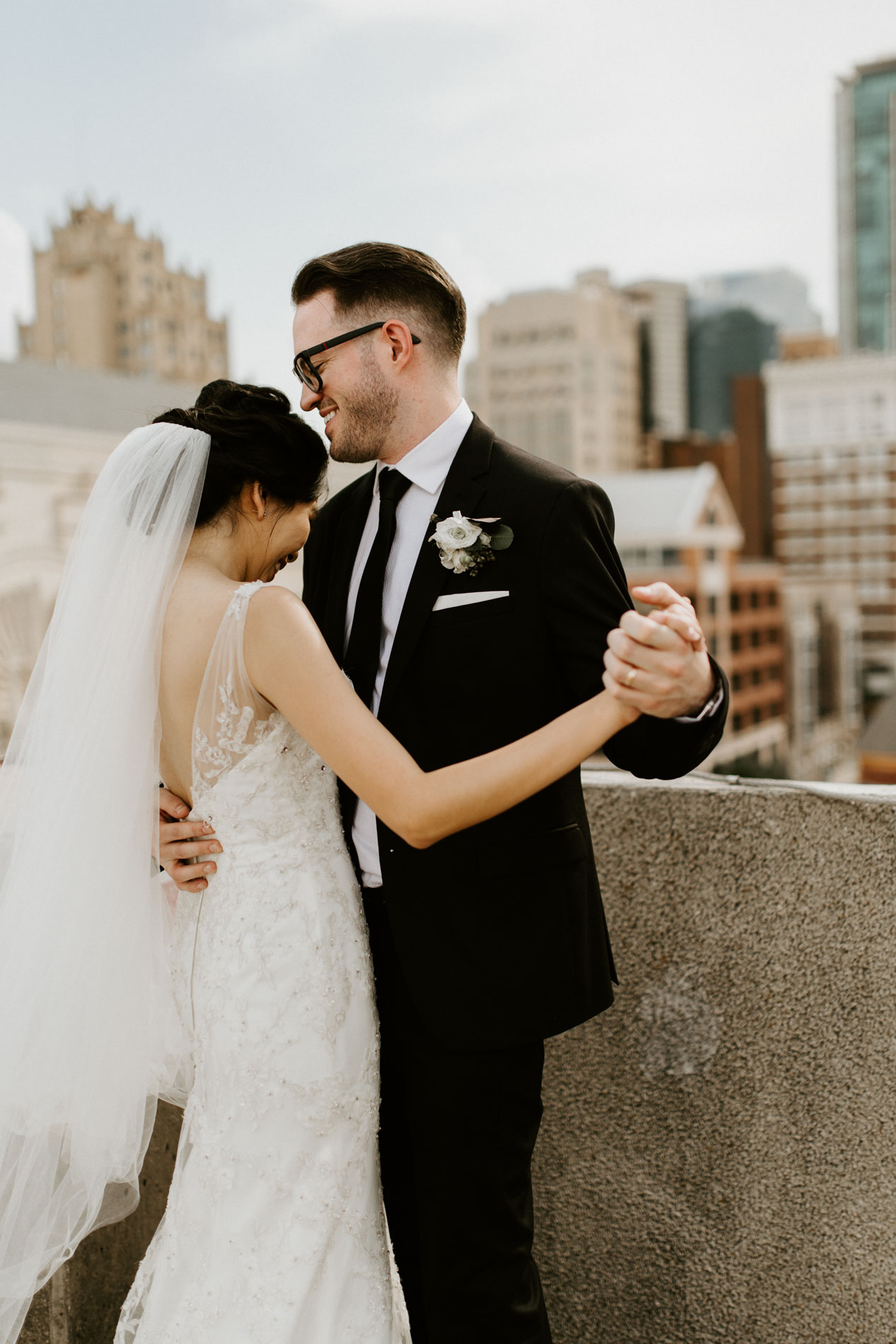 downtown Fort Worth rooftop wedding photographer