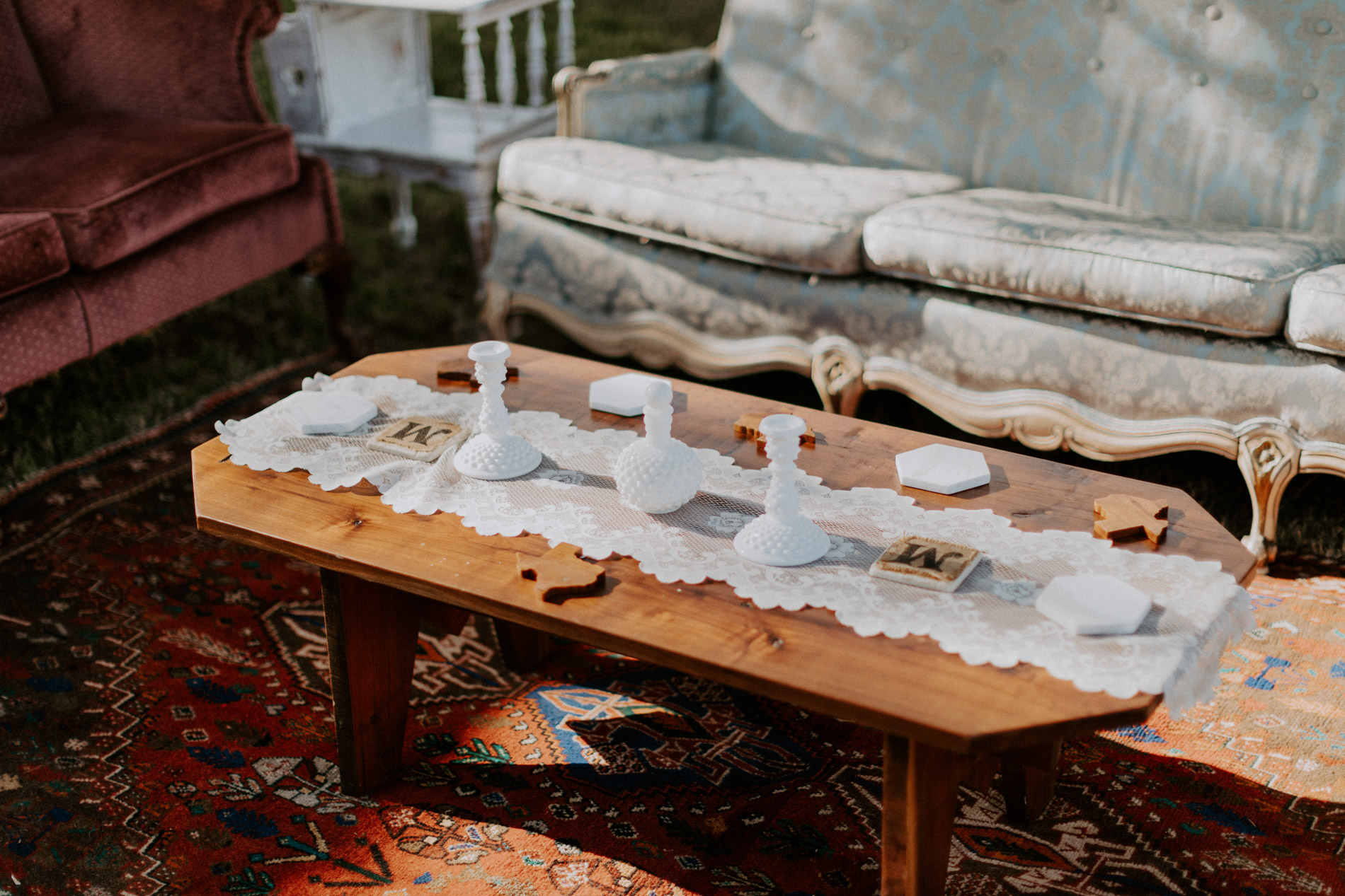 Vintage wedding decor in East Texas