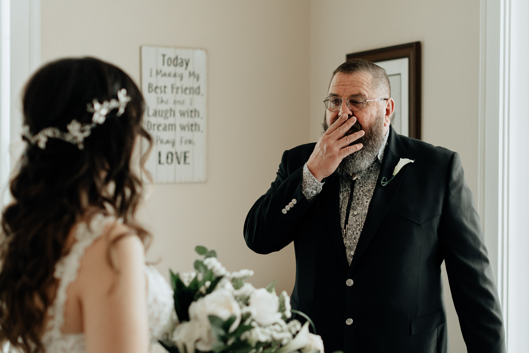 Bride and dad seeing each other for the first time on their DFW wedding day