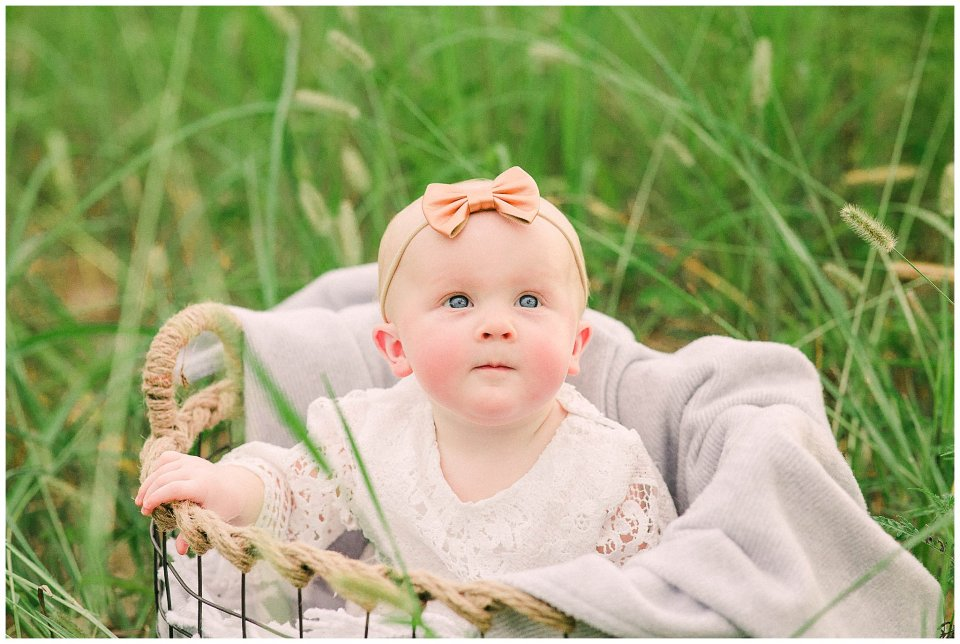 Citrus woodland pine family session