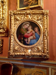 Raphael's Madonna of the Chair with St. John the Baptiste as Child, Palazzo Pitti