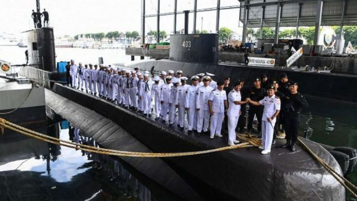 Kina med bagtanker skal hjælpe med bjærgning af ubåd