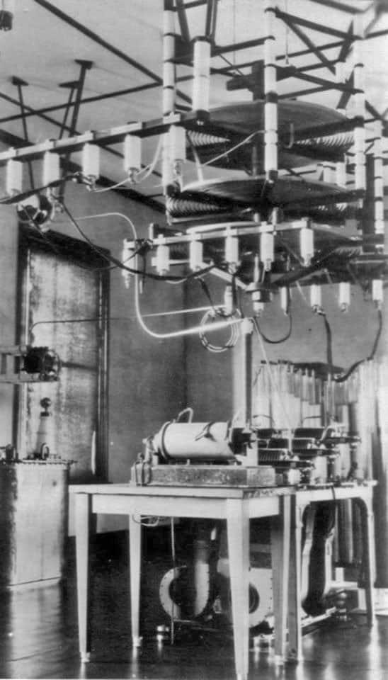 Transmitter at Awarua Radio, c1918