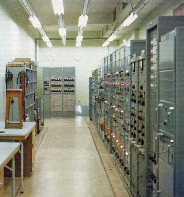 The screened drive room, added in 1966