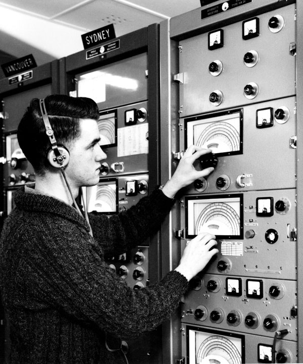 Technician Roger Hay, Makara Radio