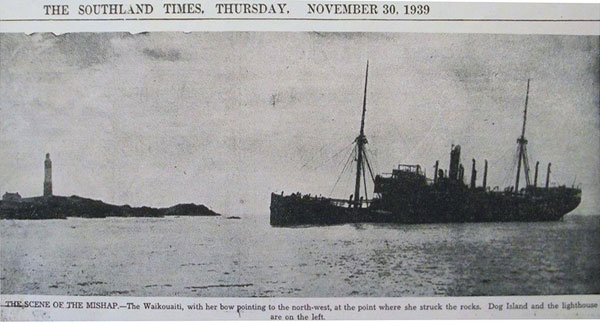 Steamer Waikouaiti aground at Dog Island