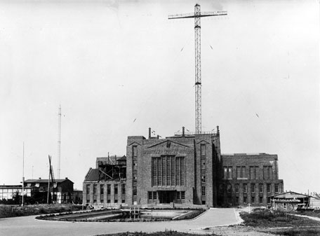 Telefunken's large transmitter in Nauen, near Berlin, c1920