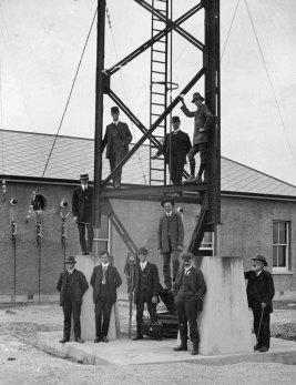 Awarua Radio tower, presumably in 1913