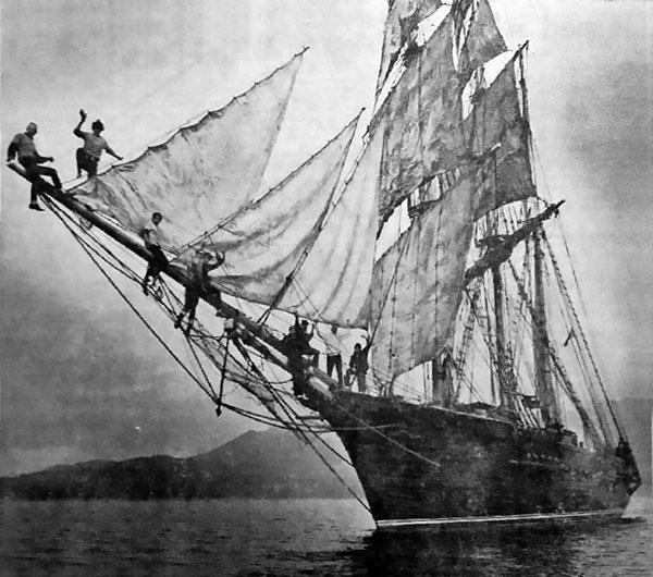 Barque Monte Cristo, becalmed in English Bay, Vancouver