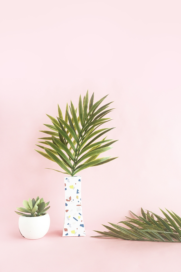DIY Terrazzo Paper Vase on Maritza Lisa - Looking for a modern way to display your faux greenery? Click through to make this terrazzo vase out of paper!