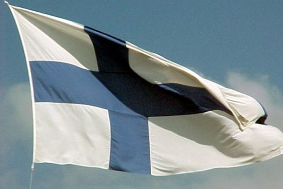Флаг Финляндии также содержит крест