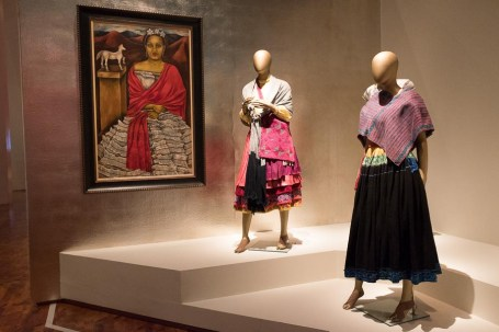 mexico-city-dress-exhibit-67