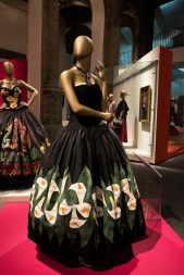 mexico-city-dress-exhibit-72