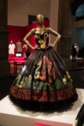 mexico-city-dress-exhibit-77