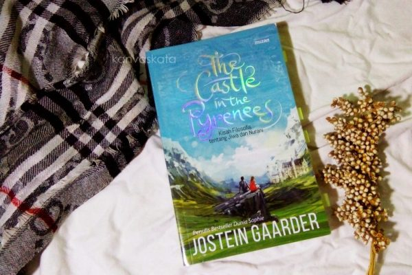 sampul depan The Castle in the Pyrenees