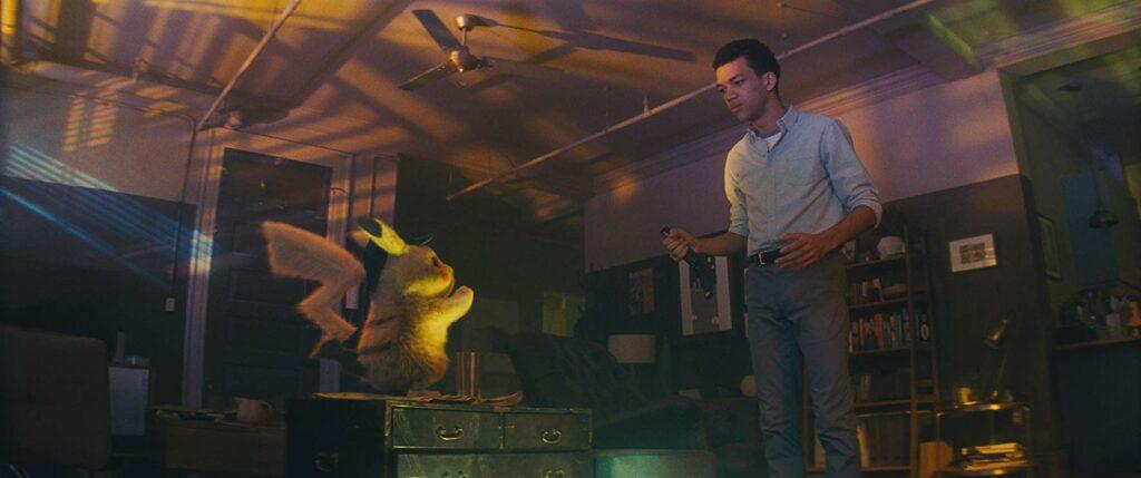 karakter Pikachu dan Tim Goodman dalam Pokemon: Detective Pikachu