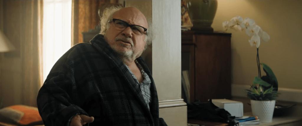 Danny DeVito sebagai Milo