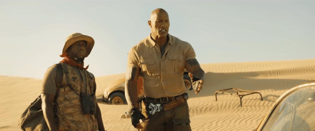 Kevin Hart dan Dwayne Johnson di gurun pasir
