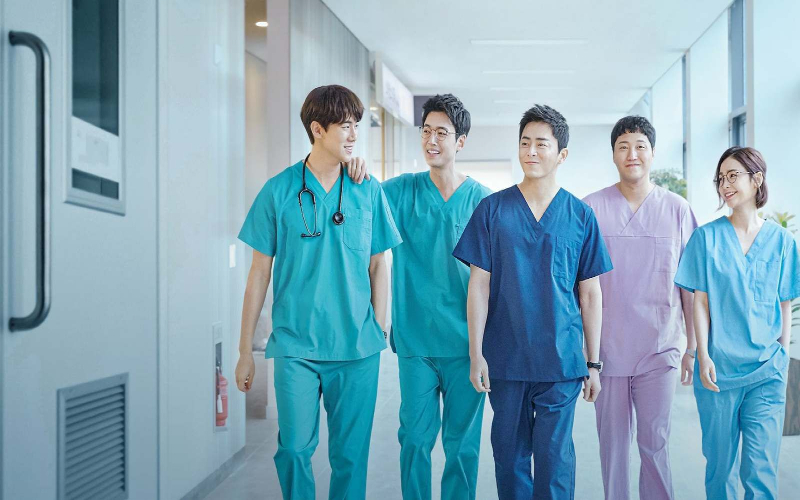 Hospital Playlist (2020) drakor wajib tonton tahun 2020