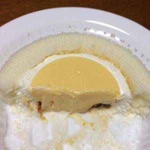 プレミアムきよら卵のプリンロールケーキ断面