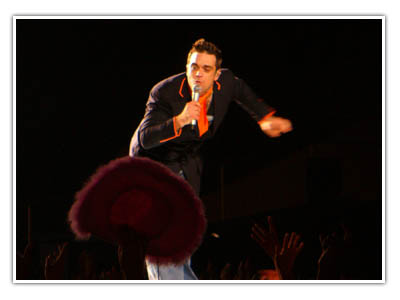 Robbie Willams at Milton Keynes 15 September 2006
