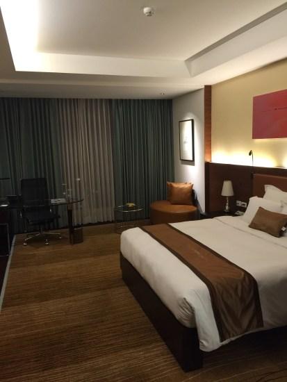 hotel bedroom - Aetas Lumpini Bangkok - Gate 1 Travel