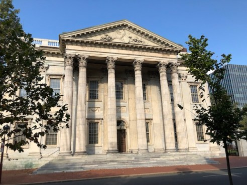 Mark and Chuck's Adventures – Travel bloggers – Food bloggers- Philadelphia - Old City Philadelphia - Independence National Park - First Bank of the Untied States