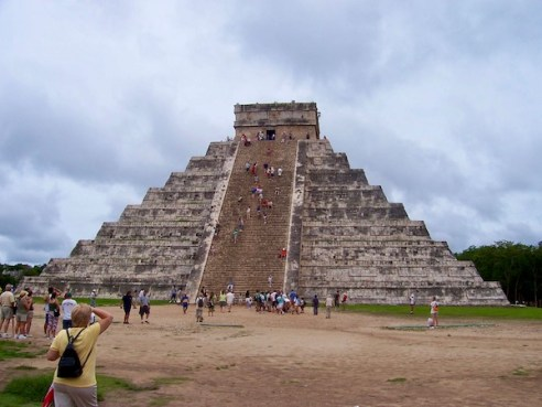 Mark And Chuck's Adventures - Chichen Itzá - Seven Modern Wonders of the World