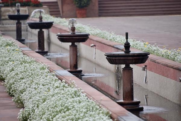 Raj Ghat - Gandhi - Gandhi memorial - New Delhi - fountains