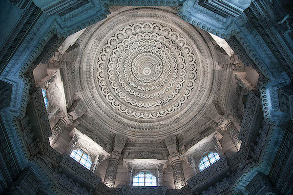Swaminarayan Akshardham - The Mandir - Marble carvings- New Delhi - Hindu temple - India - domed ceilings