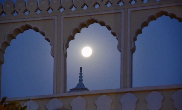 The Tigress Ranthambore - moon over The Tigress Ranthambore- early morning tiger safari - Gate 1 Travel - Ranthambore -