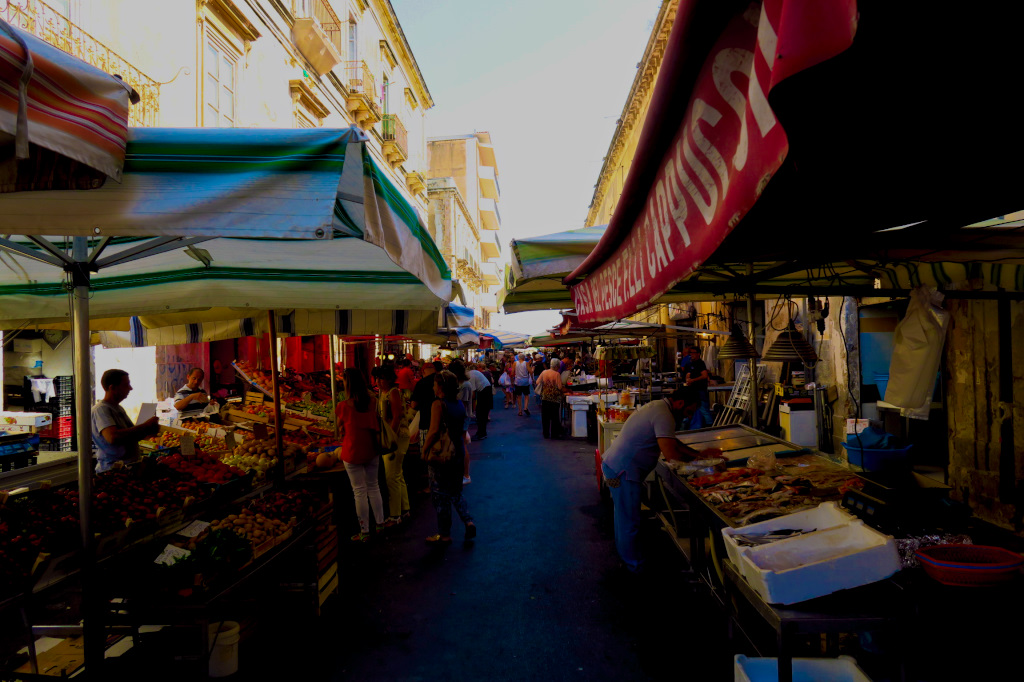 The outdoor market in Siracusa