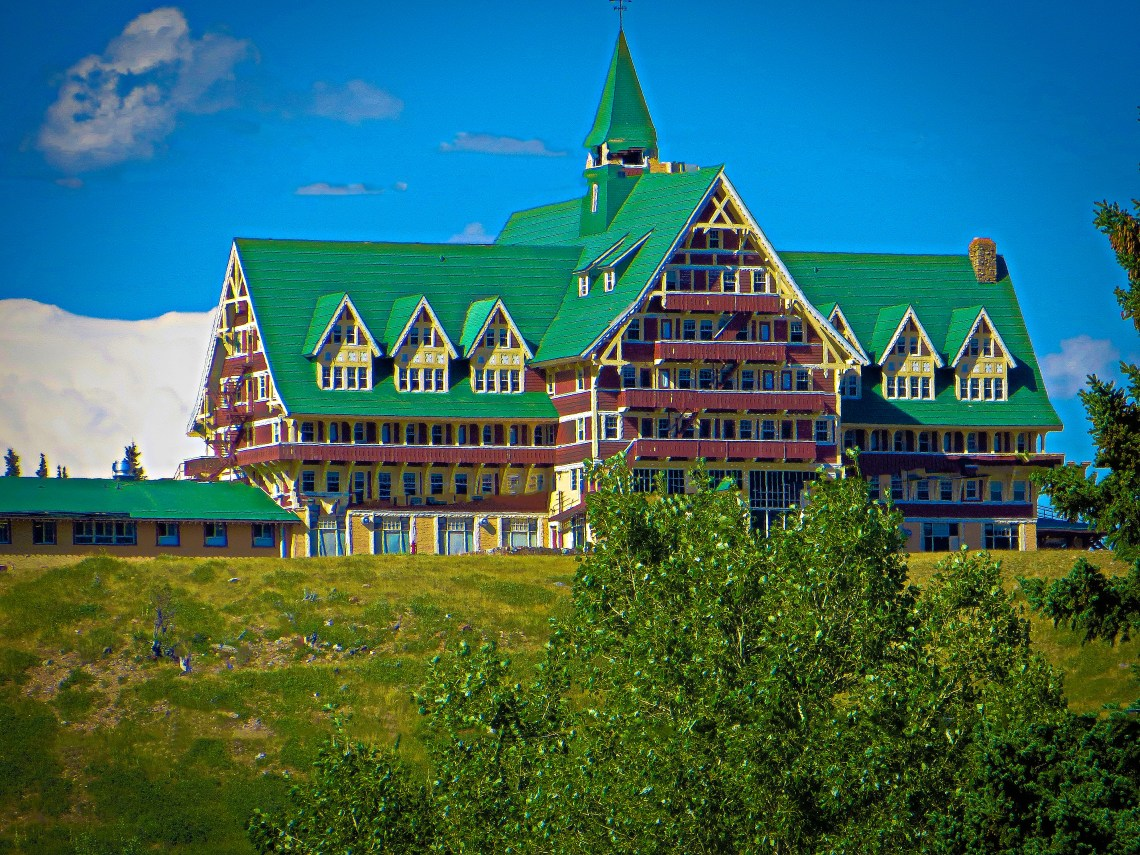 Prince-Of-Wales-Hotel-Waterton-Park