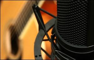 condenser-microphone-guitar