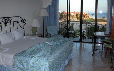 All-inclusive Cabo resort room: Dreams Los Cabos