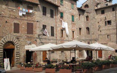 Colle di Val d'Elsa: Piazza Canonica