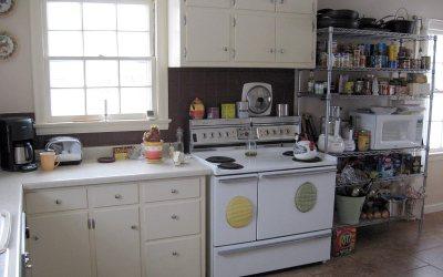 Kitchen: Kenmore electric range, InterMetro shelving