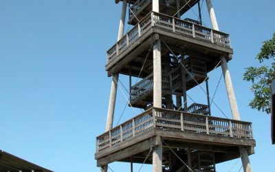 Observation tower near Galena: Long Hollow Tower
