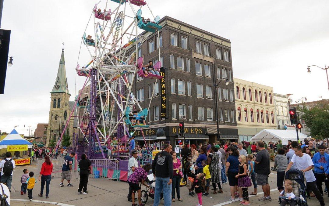 Party on the Pavement: Ferris wheel, Racine, Wisconsin