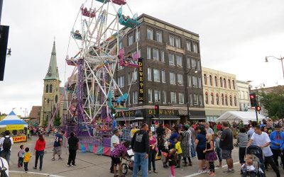 Party on the Pavement: Ferris wheel, Racine, Wisconsin