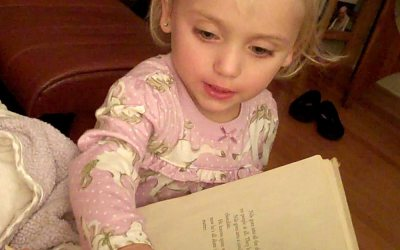 Video: Zoey's bedtime story gibberish
