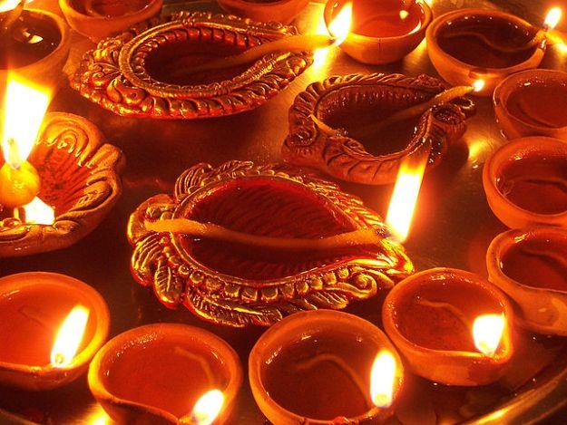 """Diwali Diya"". Licensed under CC BY-SA 2.0 via Commons - https://commons.wikimedia.org/wiki/File:Diwali_Diya.jpg#/media/File:Diwali_Diya.jpg"