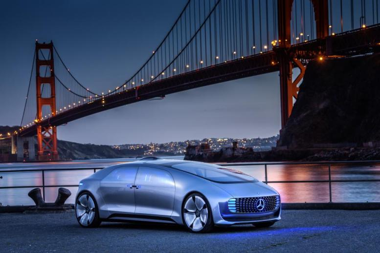 Mercedes Benz F 015 San Francisco Bridge