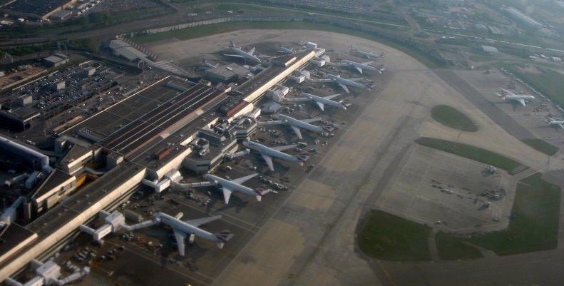 Heathrow_LON_04_07_77