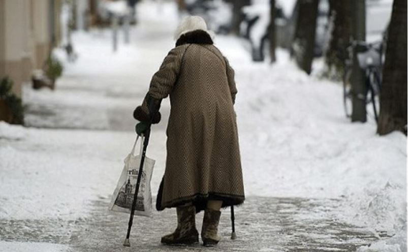 Freezing temperatures elderly