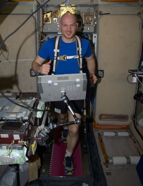 Alexander Gerst exercising in space