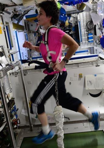 Samantha Cristoforetti running in space training